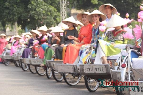 Gần 100 chiếc xe xích lô tham gia diễu hành về với Thanh Chiêm